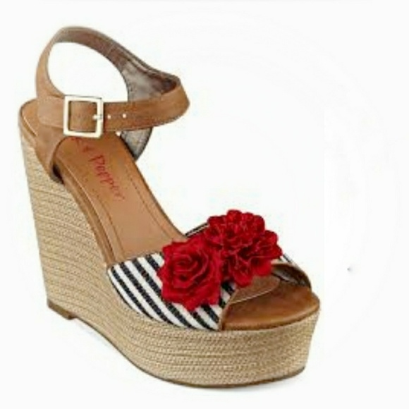 d8e09aea8cc Pink   Pepper Platform Sandals. M 5abcacc336b9de32cc7b1184